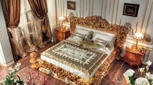 Set-Tempat-Tidur-Ukir-Klasik-King-Krisna